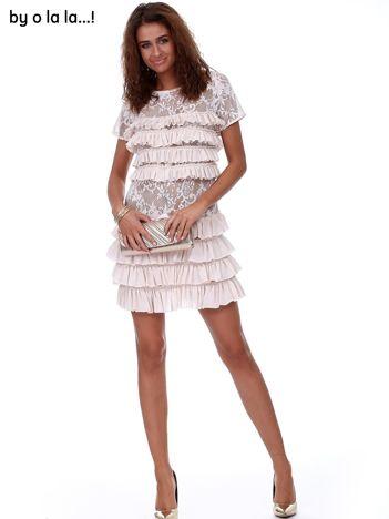 Jasnoróżowa koronkowa sukienka z falbanami BY O LA LA