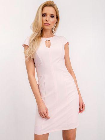 Jasnoróżowa sukienka Hazel