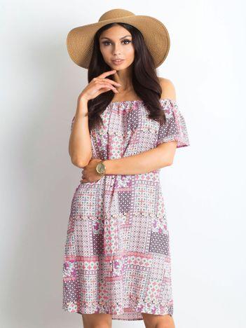 Jasnoróżowa sukienka Juventada