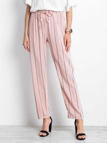 Jasnoróżowe spodnie Rediscover