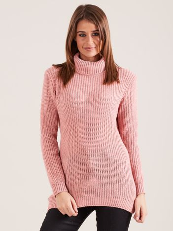 Jasnoróżowy sweter golf