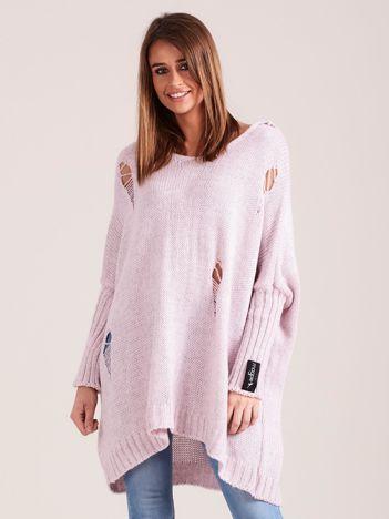 Jasnoróżowy sweter oversize z kapturem MAGPIE