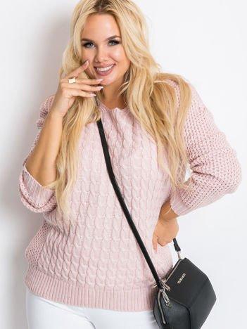 Jasnoróżowy sweter plus size Now