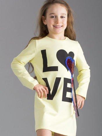 Jasnożółta sukienka dziewczęca z aplikacją