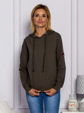 Khaki bluzka damska z naszywkami