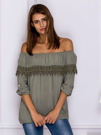 Khaki bluzka hiszpanka z koronkową lamówką