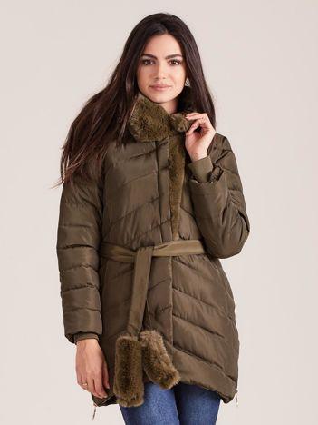 Khaki pikowana kurtka zimowa z futerkiem