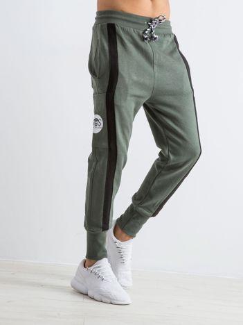 Khaki spodnie dresowe męskie Skeleton