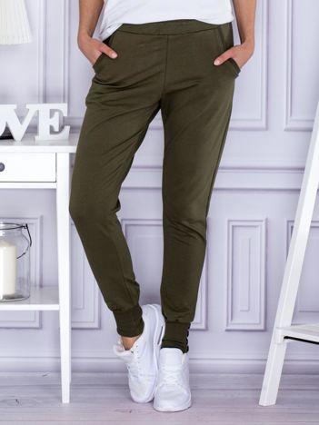 Khaki spodnie dresowe z szerokimi ściągaczami