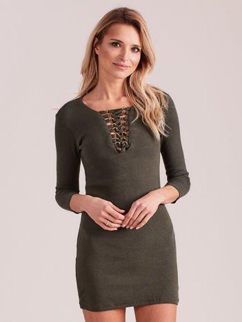 Khaki sukienka ze sznurowanym dekoltem