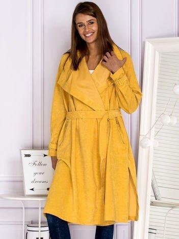 Klasyczny płaszcz z wiązaniem w pasie żółty