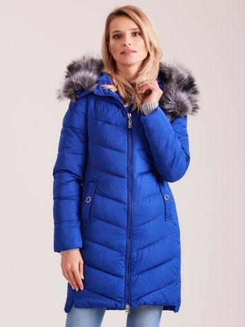 Kobaltowa długa kurtka na zimę