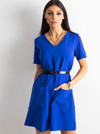 Kobaltowa sukienka damska z kieszeniami