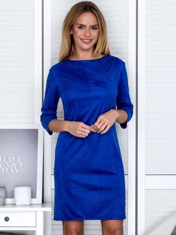 Kobaltowa sukienka z imitacji zamszu