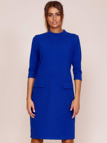 Kobaltowa sukienka z kieszeniami