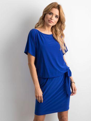 Kobaltowa sukienka z wiązaniem