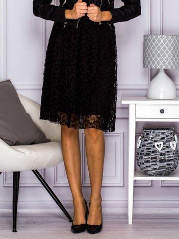 Koronkowa spódnica z plisami czarna