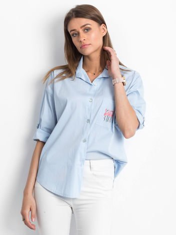 Koszula jasnoniebieska z nadrukiem flamingów