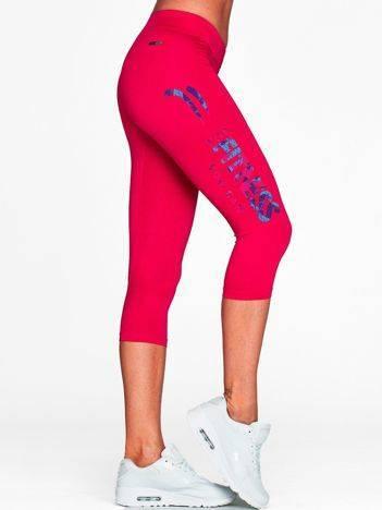 Krótkie legginsy fitness z kolorowym napisem fuksjowe