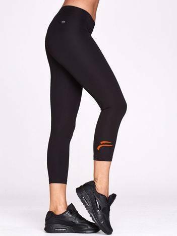Legginsy na fitness ze sportowym znaczkiem czarne