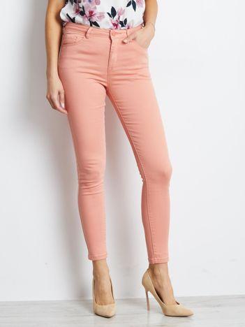 Łososiowe spodnie Meaning