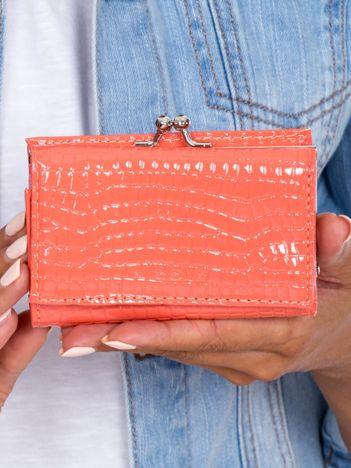 Łososiowy portfel z biglem