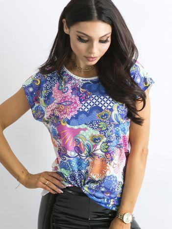 Luźna bluzka z kolorowym nadrukiem hippie