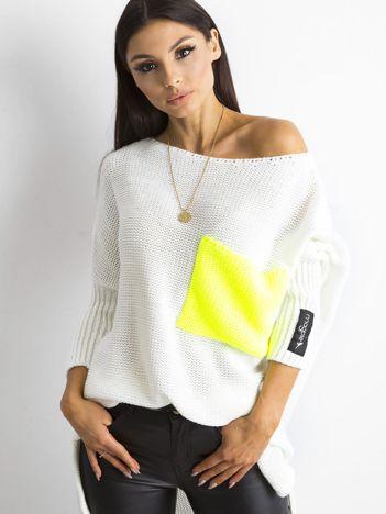 MAGPIE Ecru luźny sweter z kieszenią