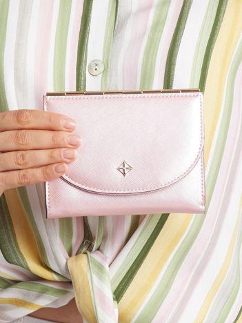 Mały elegancki portfel jasnoróżowy