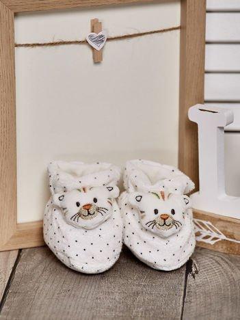 Miękkie buciki dziecięce w kropki z kotkiem białe