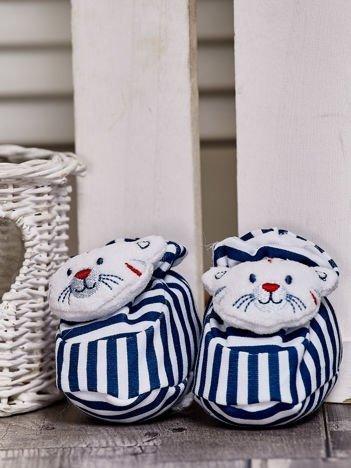 Miękkie buciki dziecięce w paski z ozdobnym kotkiem granatowe
