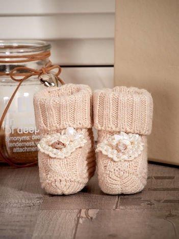 Miękkie buciki dziewczęce wyszywane perełkami beżowe