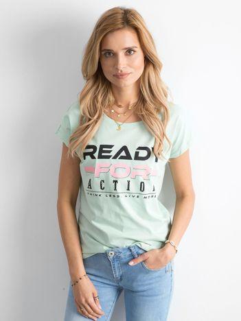 Miętowa koszulka z napisami