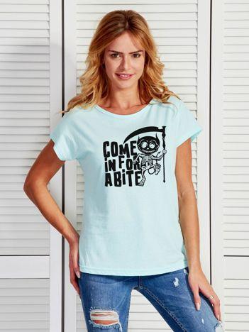 Miętowy t-shirt damski z nadrukiem Halloween