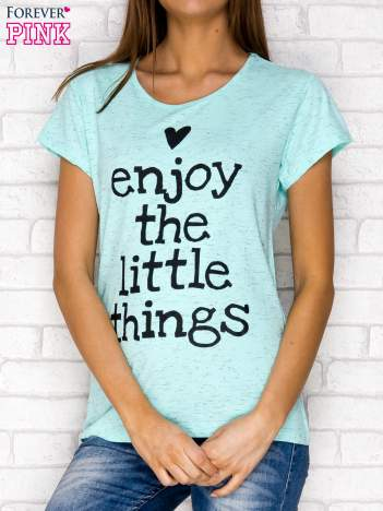 Miętowy t-shirt z napisem ENJOY THE LITTLE THINGS
