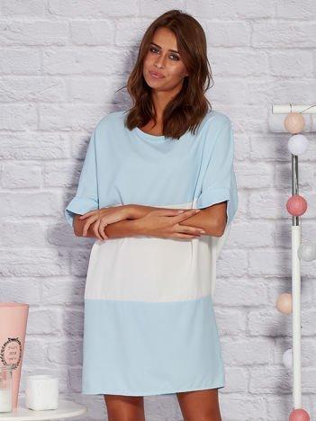 Modułowa sukienka dzienna oversize niebieska
