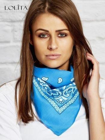 Niebieska chusta bandanka