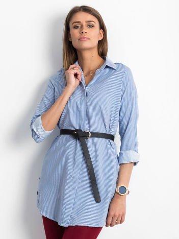 Niebieska koszula w paski z guzikami