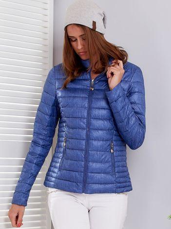 Niebieska pikowana kurtka przejściowa