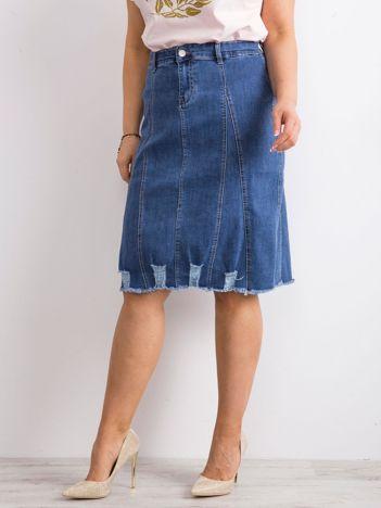 Niebieska spódnica jeansowa plus size