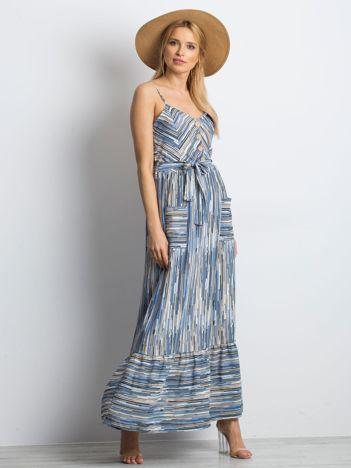 Niebieska sukienka City break