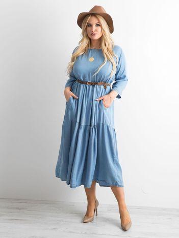 Niebieska sukienka midi PLUS SIZE
