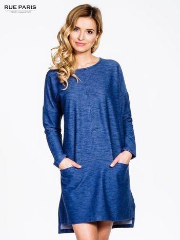 Niebieska sukienka oversize z materiału a'la denim