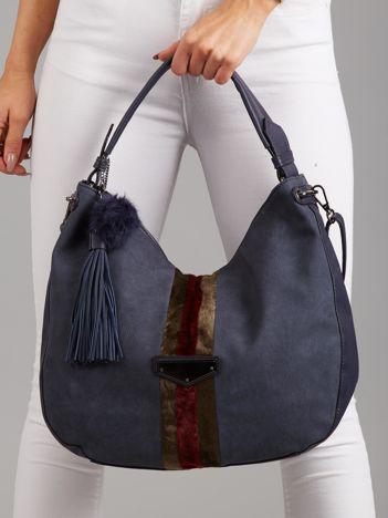 Niebieska torba z wstawką z futerka