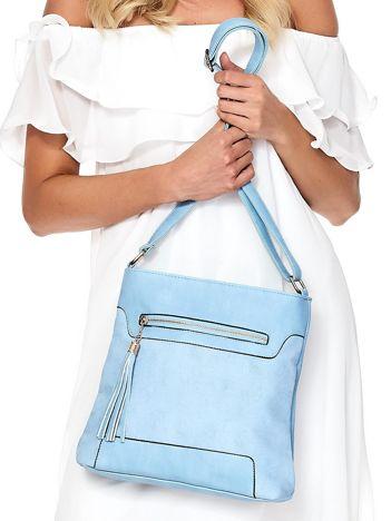 Niebieska torebka listonoszka z frędzlem