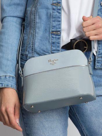 Niebieska torebka na suwak