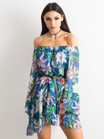 Niebieska zwiewna sukienka hiszpanka w kwiaty