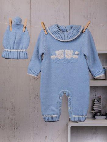 Niebieski ciepły dzianinowy 2-częściowy komplet niemowlęcy  pajacyk i czapeczka z misiem
