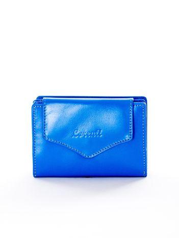 Niebieski portfel skórzany z klapką