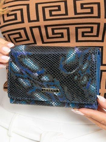 Niebieski poziomy portfel skórzany we wzory